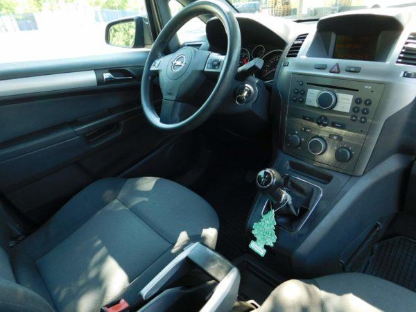 Opel Zafira bérlés 5000 Ft/nap (havi bérlés esetén) 1