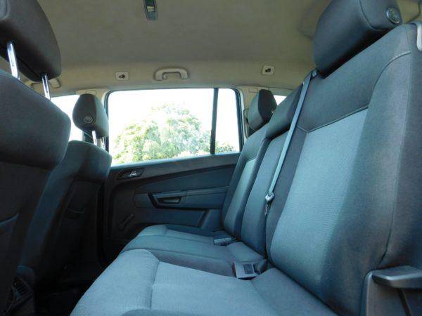 Opel Zafira bérlés 5000 Ft/nap (havi bérlés esetén) 3