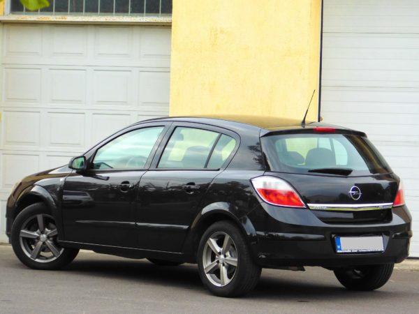 Opel Astra H bérlés 1