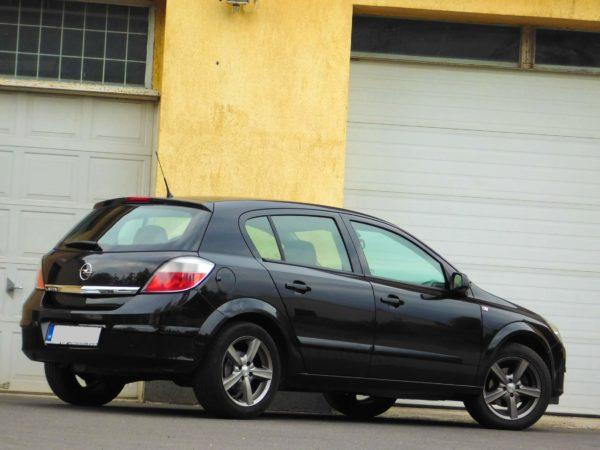 Opel Astra H bérlés 2