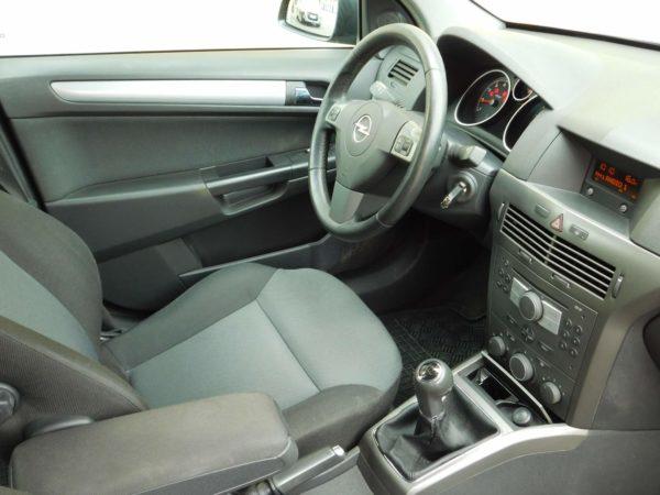 Opel Astra H bérlés 4